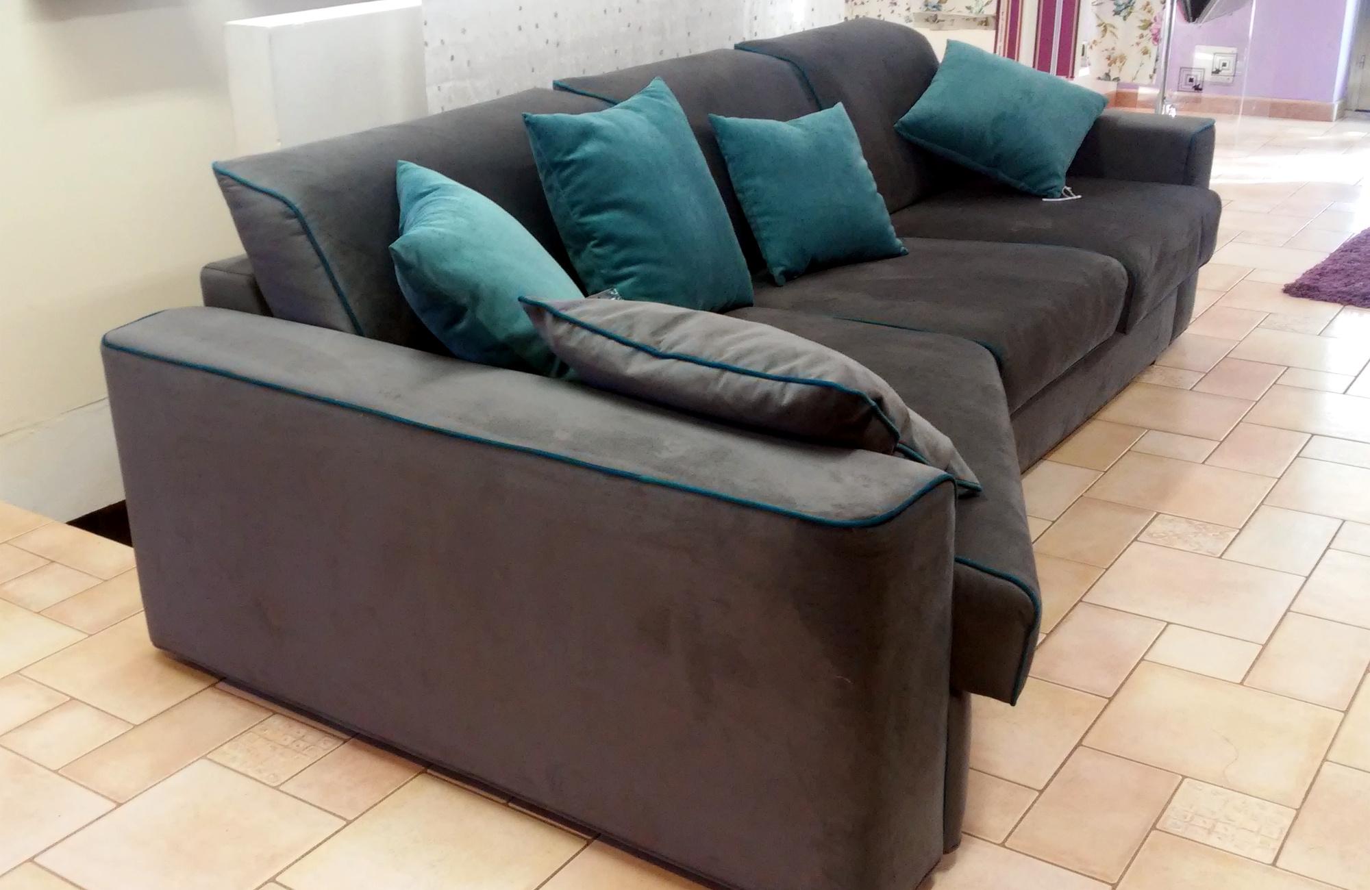 Vendita e riparazione di divani e poltrone sardegna urru for Poltrone e divani