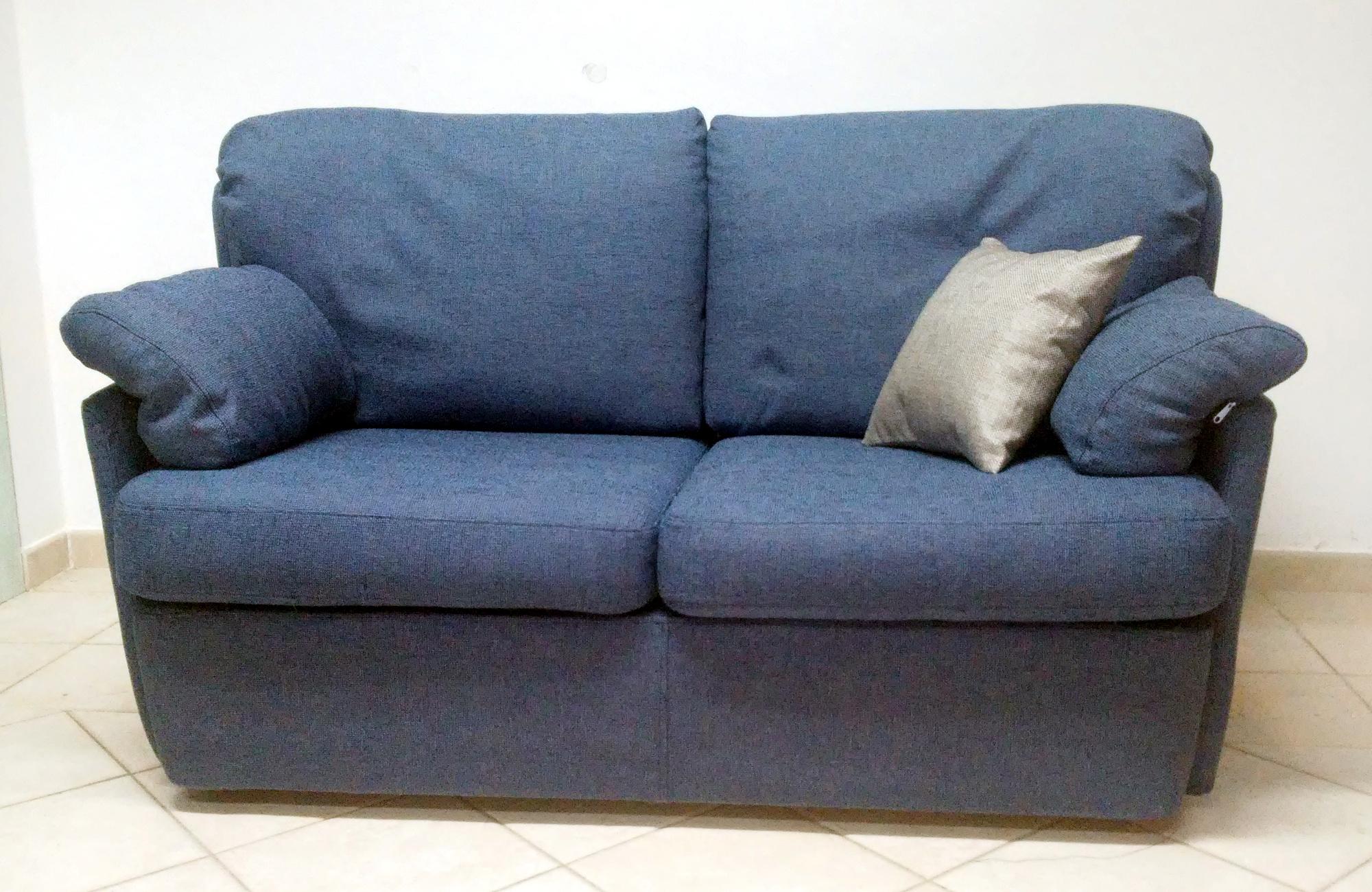 Vendita e riparazione di divani e poltrone sardegna urru for Divani in vendita
